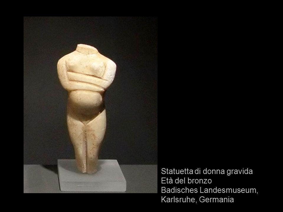 Statuetta di donna gravida Età del bronzo Badisches Landesmuseum, Karlsruhe, Germania