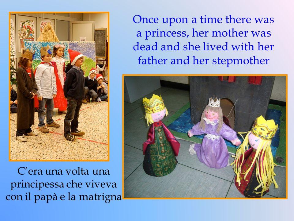 Poiché la matrigna era invidiosa della principessa, la fece rinchiudere in un castello nel bosco.