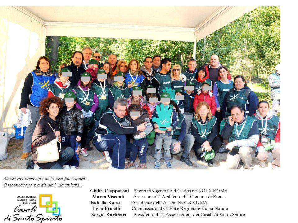 Alcuni dei partecipanti in una foto ricordo.