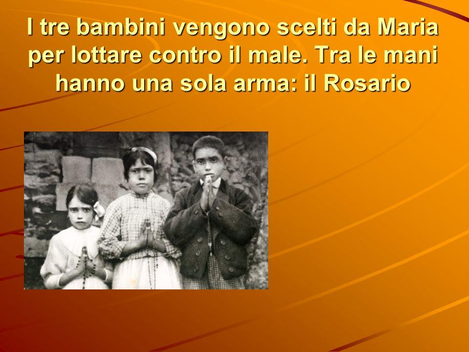 I tre bambini vengono scelti da Maria per lottare contro il male. Tra le mani hanno una sola arma: il Rosario