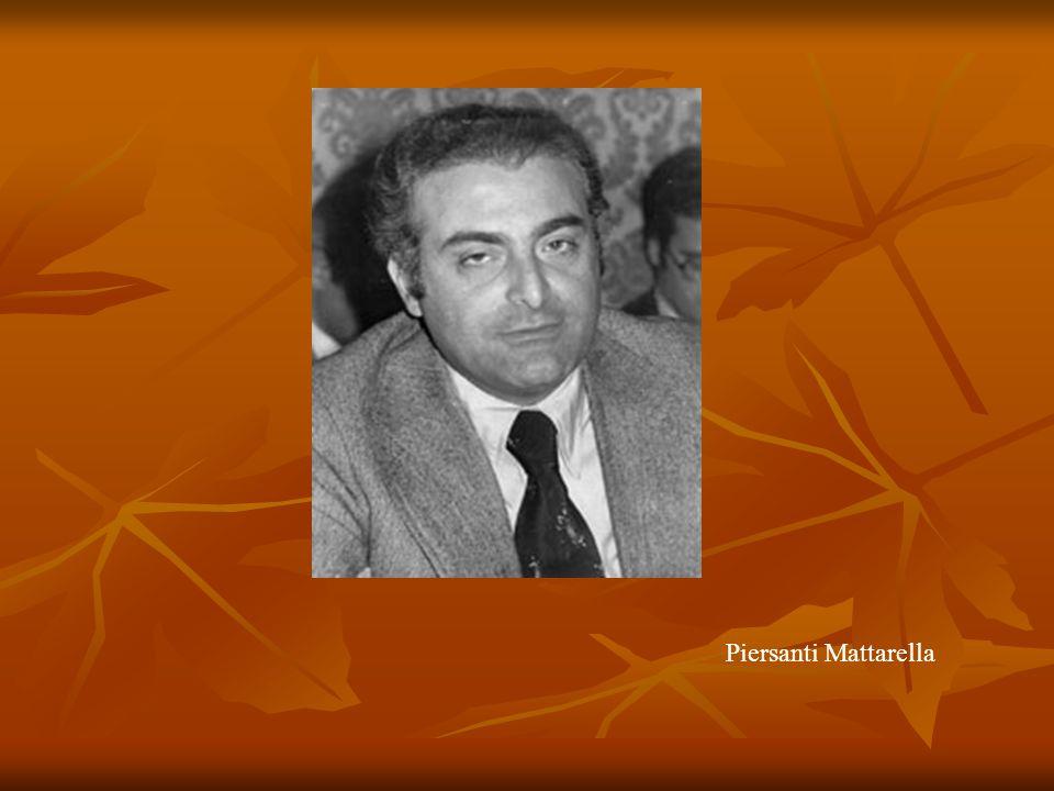 Salvatore Riina, meglio conosciuto come Totò Riina, (Corleone, 16 novembre 1930), è un criminale italiano, componente dei vertici di Cosa Nostra, detenuto dal 1993.