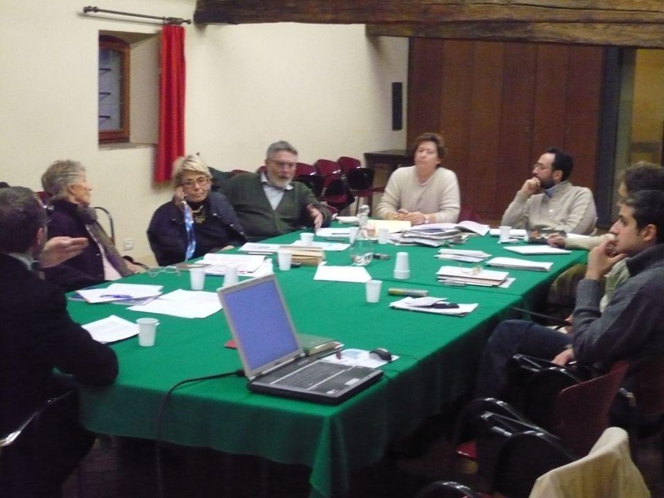 Gruppo di Pontignano14 IL SOSTEGNO AL LUTTO: un modello di intervento Formazione e sensibilizzazione Aggiornamento permanente sulle tematiche della relazione Supervisione, audit Interventi per gli operatori: