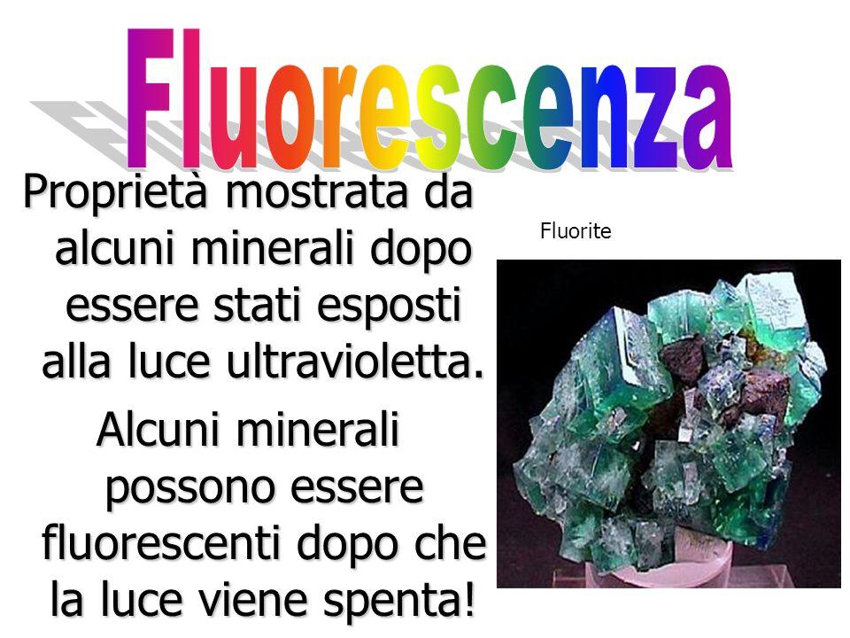 Alcuni minerali conducono la corrente elettrica, per esempio loro, largento, il platino e il rame.
