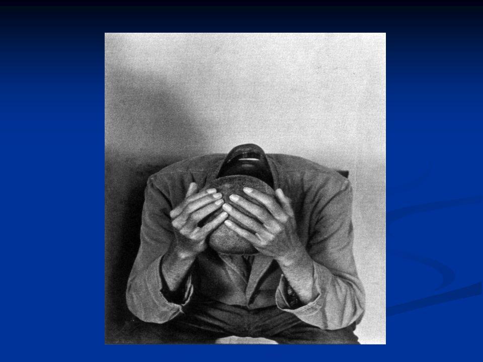 Trattamento Sanitario Obbligatorio SECONDO punto: Molte legislazioni anche quelle che contemplano il rispetto dei diritti umani, mettono la pericolosità sociale come ragione per il trattamento involontario, permettendo lesistenza di ospedali psichiatrici, legittimando la segregazione del cittadino con la malattia mentale.