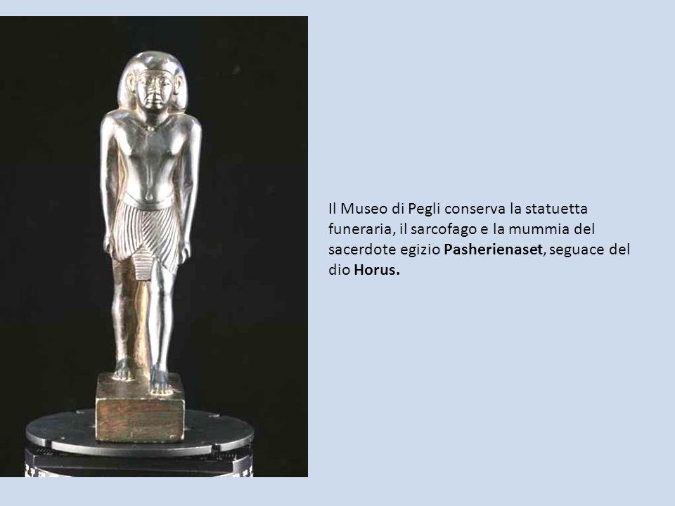 Il Museo di Pegli conserva la statuetta funeraria, il sarcofago e la mummia del sacerdote egizio Pasherienaset, seguace del dio Horus.