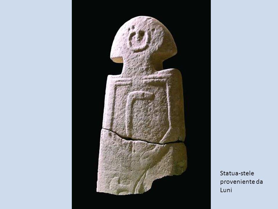 Statua-stele proveniente da Luni