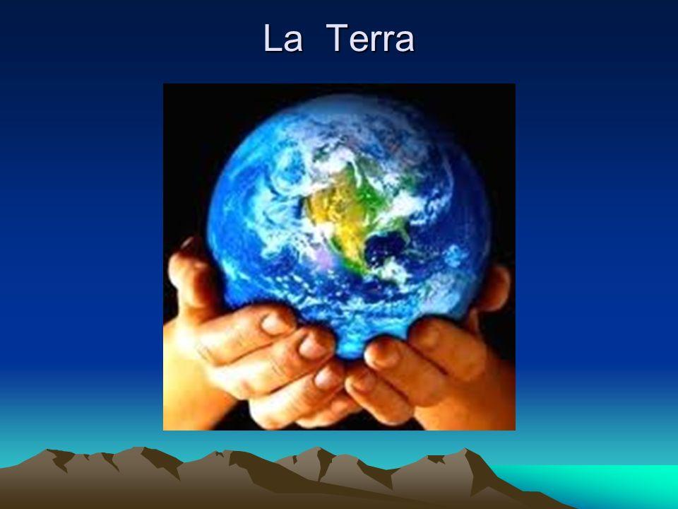 La Terra è il terzo pianeta in ordine di distanza dal Sole ed il più grande dei pianeti terrestri del sistema solare, sia per quanto riguarda la massa sia per il diametro.Solepianeti terrestrisistema solaremassadiametro È il pianeta su cui vivono tutte le specie viventi conosciute, l unico corpo planetario del sistema solare adatto a sostenere la vita, sulla sua superficie infatti si trova acqua in tutti e tre gli stati (solido, liquido, gassoso) e un atmosfera composta in prevalenza da azoto e ossigeno.