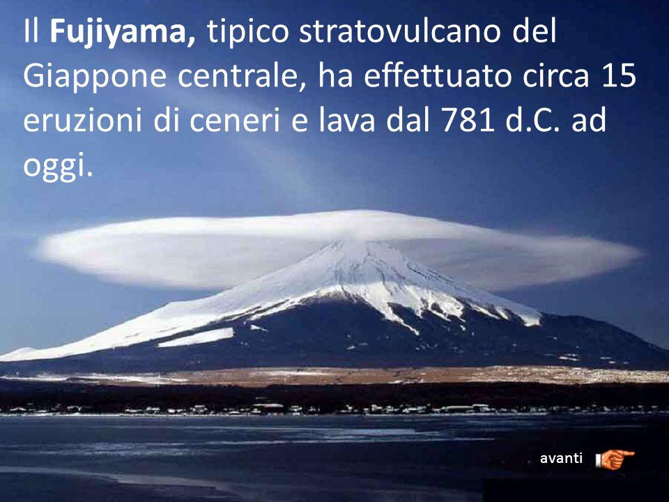 Il Fujiyama, tipico stratovulcano del Giappone centrale, ha effettuato circa 15 eruzioni di ceneri e lava dal 781 d.C. ad oggi. avanti