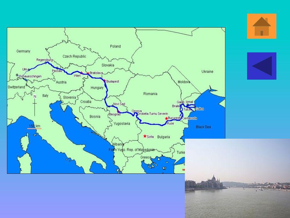 Fiume Danubio Il Danubio è un fiume dell'Europa centro-orientale. Con 2.860 km è il secondo corso d'acqua più lungo del continente (dopo ilVolga), e i