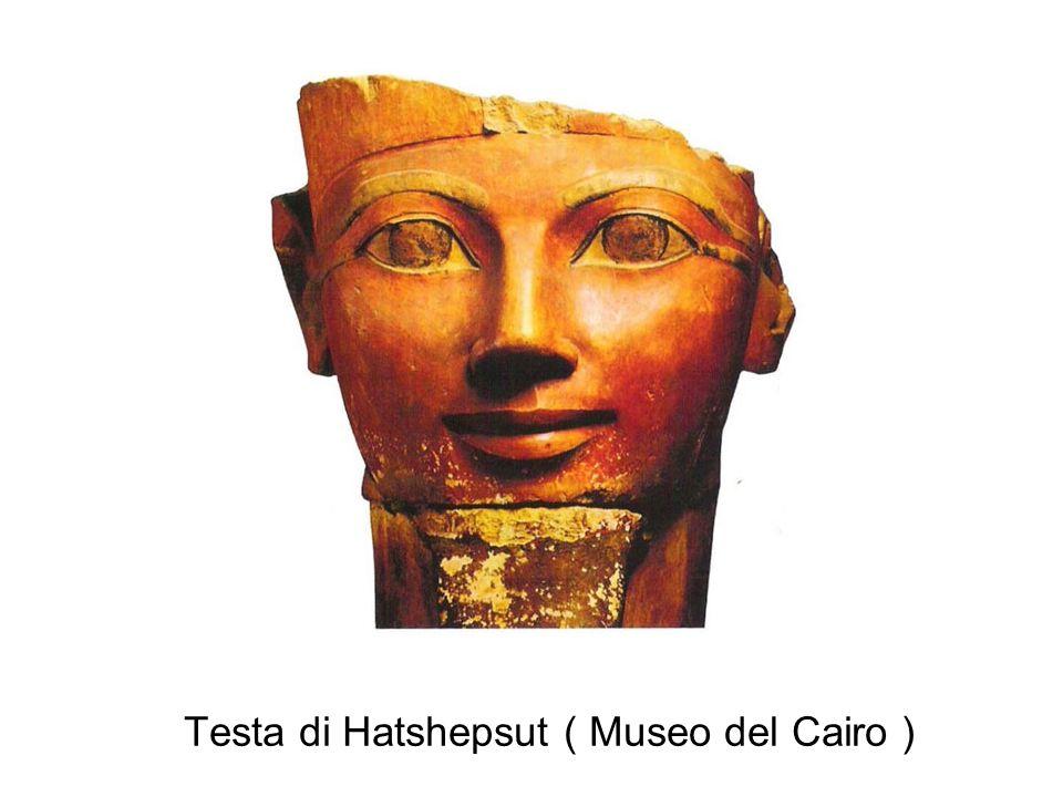 Anfiteatro di roccia del Deserto Occidentale abbraccia il tempio funerario di Hatshepsut.
