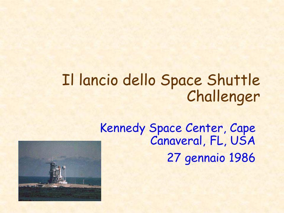 Il lancio dello Space Shuttle Challenger Kennedy Space Center, Cape Canaveral, FL, USA 27 gennaio 1986