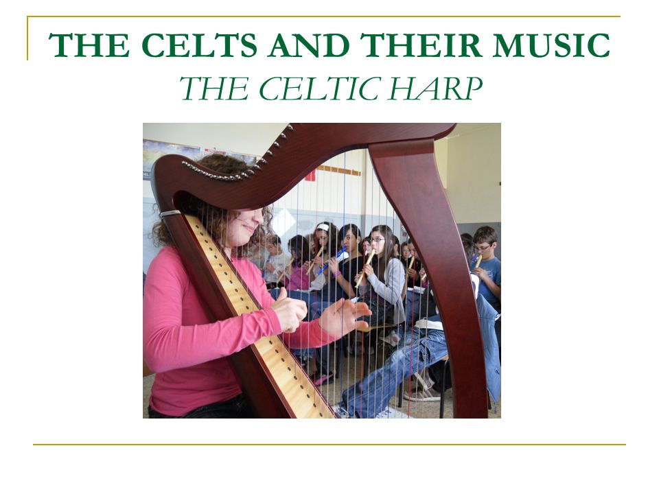 Le danze irlandesi, rispetto a quelle scozzesi, sono più movimentate e sciolte.
