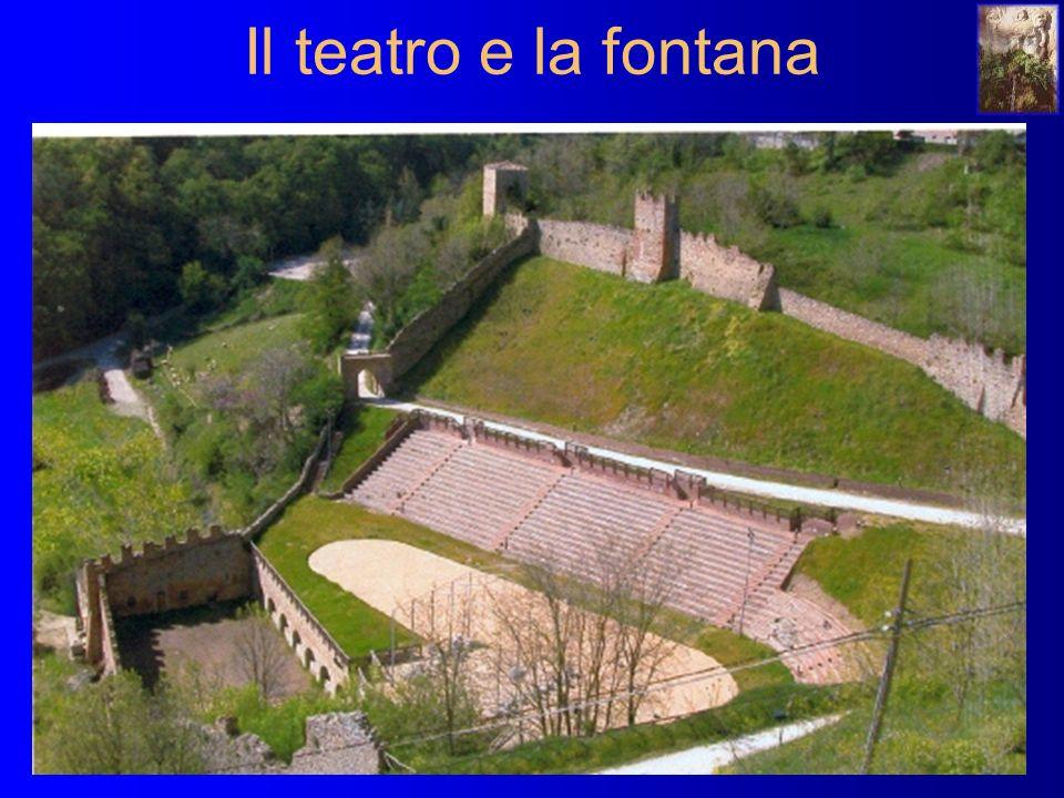 Il teatro e la fontana