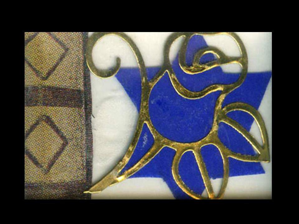 Ho dipinto con le tempere una sagoma bianca in una sagoma nera per rappresentare luomo ebreo intrappolato dal nazismo.