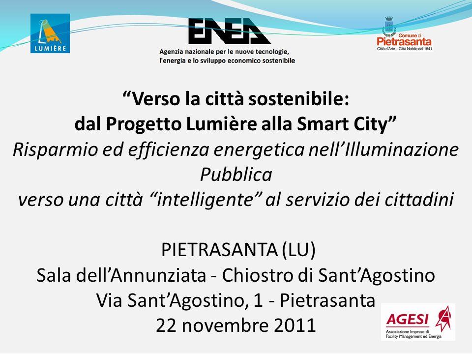 InnovativaStartVariazioneVariazione % Potenza119 kW134 kW-15 kW-11 % Ore annue4000 h/y4200 h/y-200 h/y-5 % Risparmio stabilizzazione10- Risparmio regolazione40- Energia331 MWh/y562 MWh/y-231 MWh/y-41 % Spesa manutenzione12963 /y25225 /y-12262 /y-49 % Spesa totale68827 /y108715 /y-39888 /y-37 % Analisi tecnico-economica su un caso reale Costo voce [] Sostituzione armature HG con SAP121.192 Orologio astronomico2.550 Regolatore adattivo punto luce171.000 Regolatore quadro per telegestione5.000 Software per telegestione adattiva6.000 Telecamera da esterno4.000 Costo di investimento309.742 InnovativaStartVariazioneVariazione % Potenza119 kW134 kW-15 kW-11 % Ore annue4.000 h/y4.200 h/y-200 h/y-5 % Risparmio stabilizzazione10 %- Risparmio regolazione40 %- Energia331 MWh/y562 MWh/y-274 MWh/y -49 % Emissioni196 tCO2 332 tCO2 - 162 tCO2/y Spesa manutenzione12.963 /y25.225 /y-12.775 /y-51 % Spesa totale63.604 /y108.715 /y -51.658 /y -48 % Situazione normale Situazione anomala Illuminazione adattiva Potenza installata (P) Ore accensione (h) Durata lampade (di) Ore equivalenti (heq) Costo ricerca guasti (Cmano) 4 – Illuminazione Adattiva