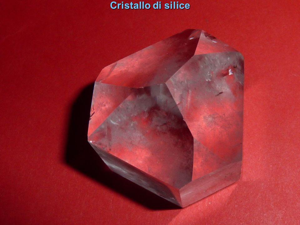 Cristalli di silice speculari