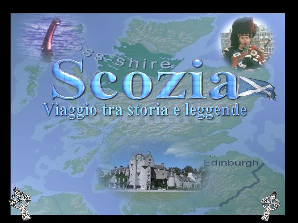 Capitale della Scozia, è la città più grande ed interessante; essa e dominata dal grande castello, con l One oclock gun, che spara ogni giorno alle 13 una salva, facendo un bel po di rumore.