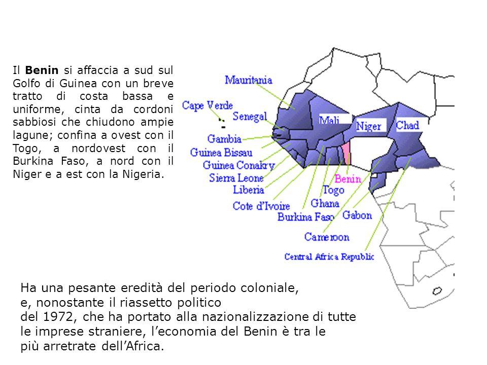 benin Il Benin si affaccia a sud sul Golfo di Guinea con un breve tratto di costa bassa e uniforme, cinta da cordoni sabbiosi che chiudono ampie lagun