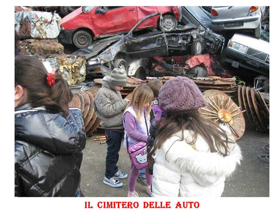 Il cimitero delle auto