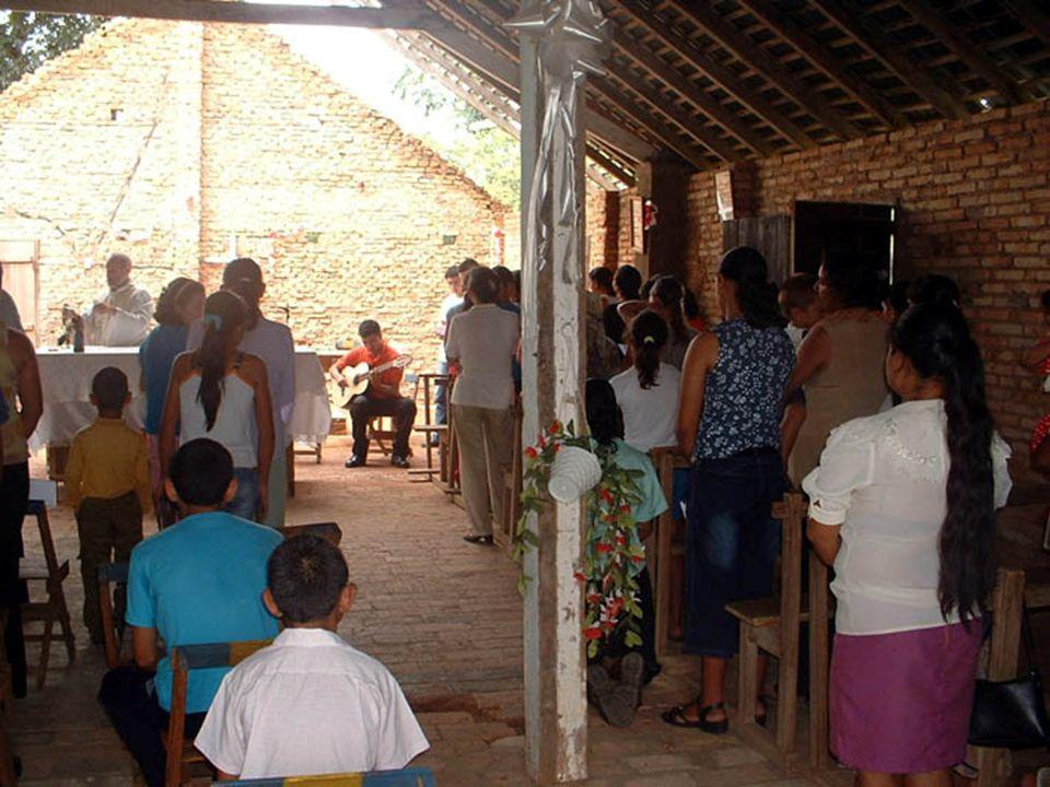 vicino alla cappella è stata ultimata da poco la costruzione di una scuola, il Colegio Padre Luís Guanella con i contributi della CMSI (Conferenza Missionaria della Svizzera Italiana) e di privati italiani e svizzeri