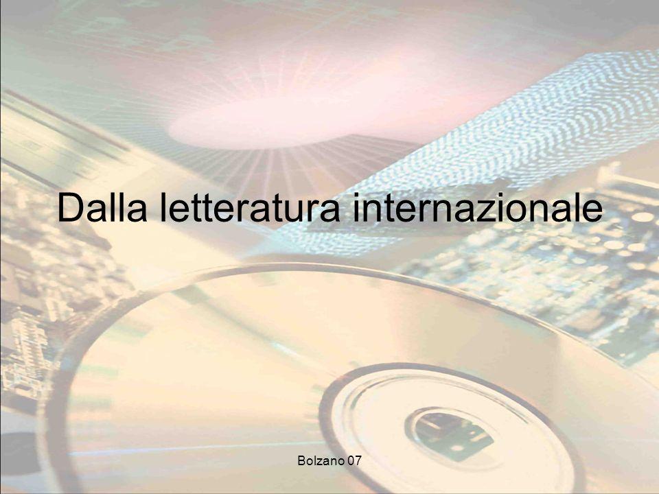 Bolzano 07 1 Le persone non apprendono dalle informazioni (come non apprendono dallinsegnante) [Jonassen et al., 1999]: usare le tecnologie per distribuire informazioni non favorisce il miglioramento dellesperienza dellapprendimento