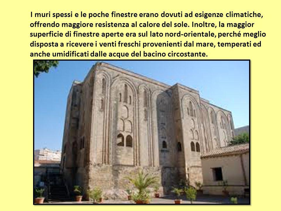 I muri spessi e le poche finestre erano dovuti ad esigenze climatiche, offrendo maggiore resistenza al calore del sole. Inoltre, la maggior superficie