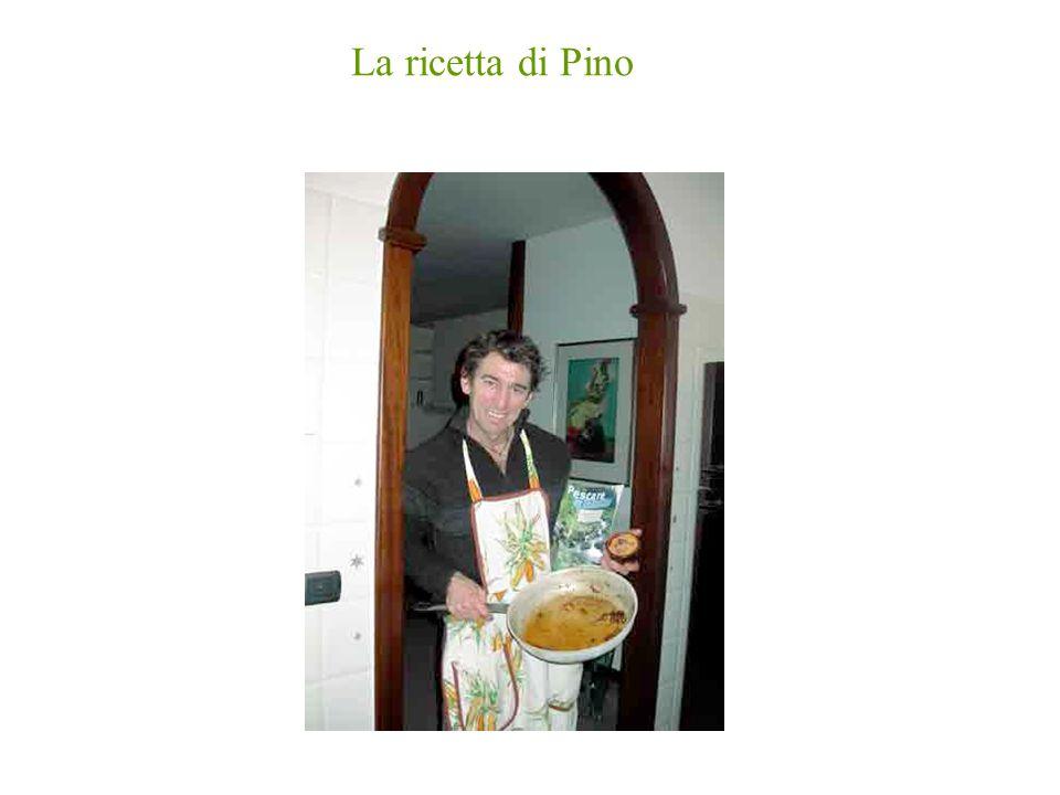 Ravioli di trota e patate Ingredienti per 4 persone 5 patate medie, mezzo kg farina, 5 uova, un filetto di trota affumicata del Pino, una cipolla, 4 olive nere, olio doliva, un poco di pancetta,vino bianco, sale, pepe