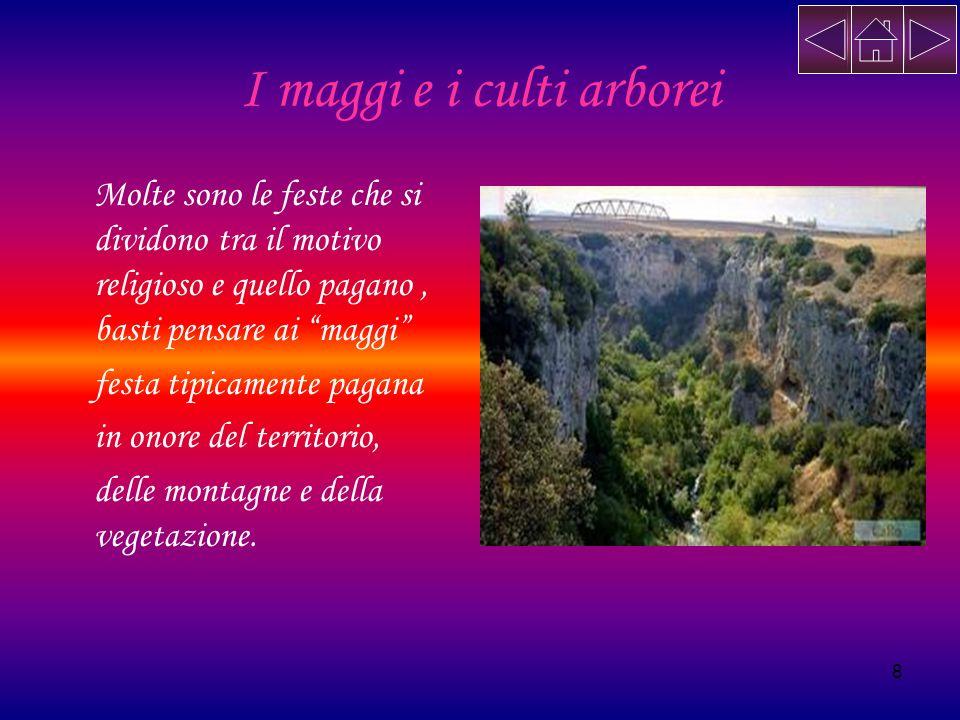 9 Grotta dei pipistrelli Sui fianchi della Gravina di Matera si apre una serie di grotte naturali o artificiali che furono frequentate fin dalla Preistoria.