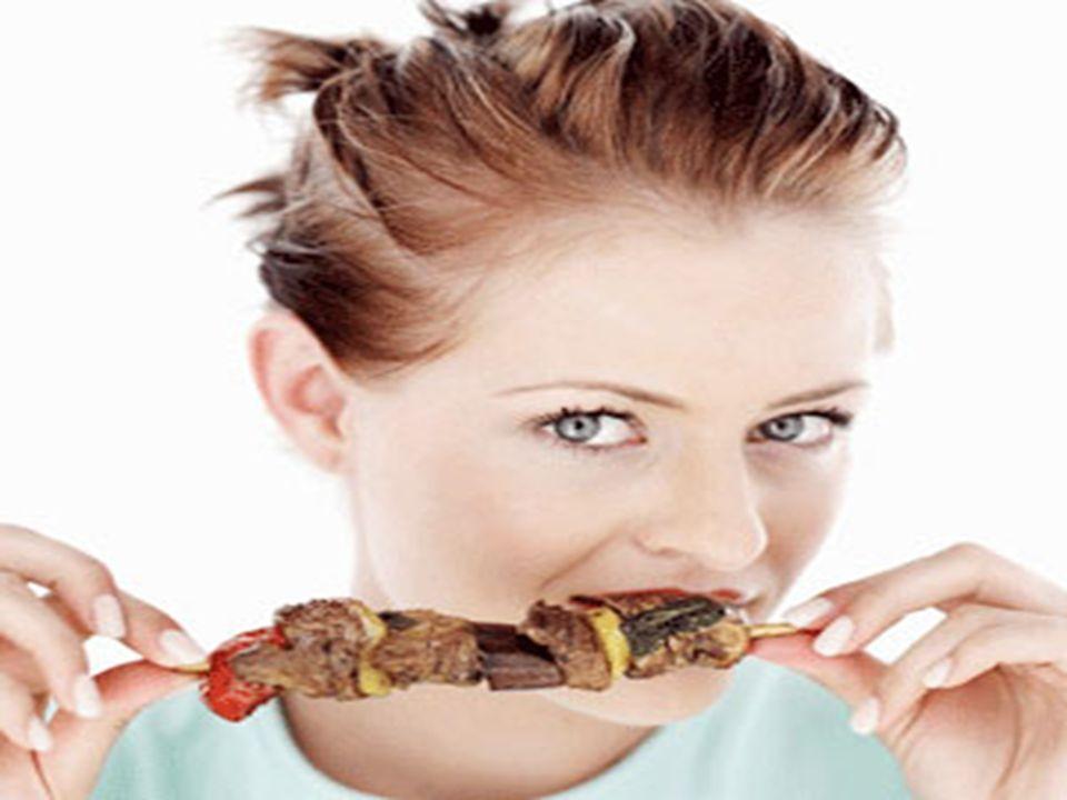…che abbiamo lo stomaco pieno e mangiamo bistecche avvolte nel cellophane senza chiederci da dove vengono o da quali mucche, allevate in modo dis-anim