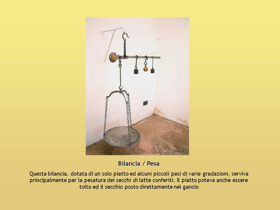 Bilancia / Pesa Questa bilancia, dotata di un solo piatto ed alcuni piccoli pesi di varie gradazioni, serviva principalmente per la pesatura dei secch