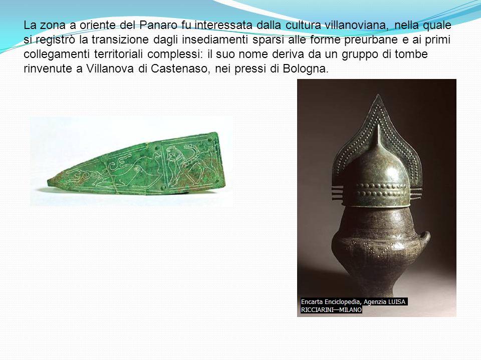 La zona a oriente del Panaro fu interessata dalla cultura villanoviana, nella quale si registrò la transizione dagli insediamenti sparsi alle forme pr