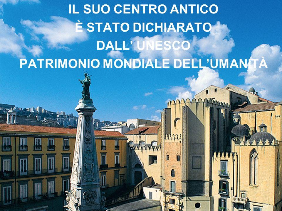 NAPOLI è storicamente una città turistica, meta del GRAND TOUR già dal Settecento.