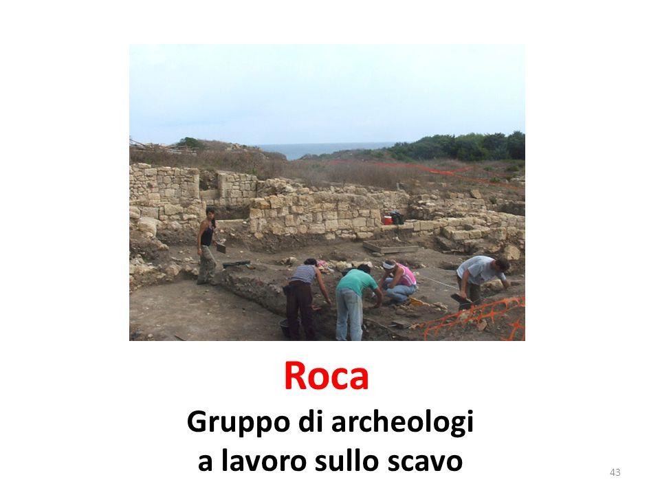 La città fu distrutta da un incendio.Qualche secolo dopo, sorse la Roca dei Messapi.