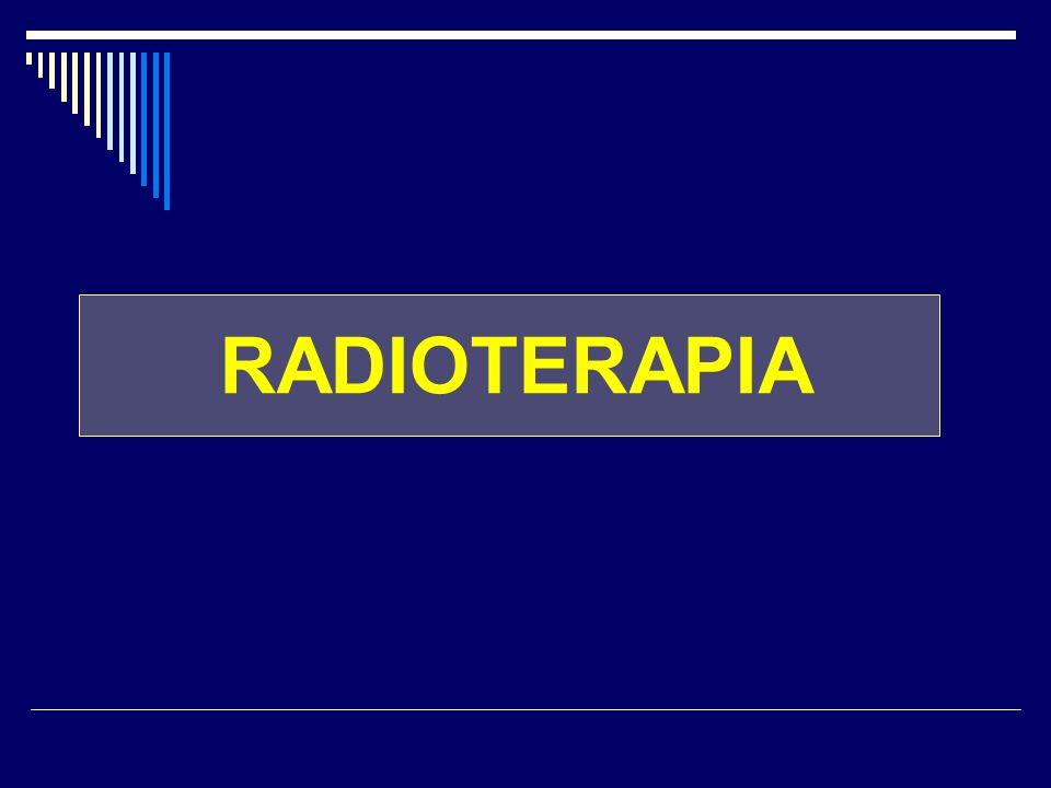 RADIOTERAPIA indicata sempre dopo chirurgia conservativa per ca infiltrante o in situ lomissione aumenta il rischio di recidiva locale dose: di 50 Gy in 25 sedute su tutta la mammella + sovradosaggio di 10-30 Gy sul letto tumorale (boost) se paziente non pratica chemioterapia dovrebbe iniziare il prima possibile e comunque non dopo 12 settimane dallintervento se la paziente pratica chemioterapia inizio radioterapia viene posticipato al termine chemioterapia