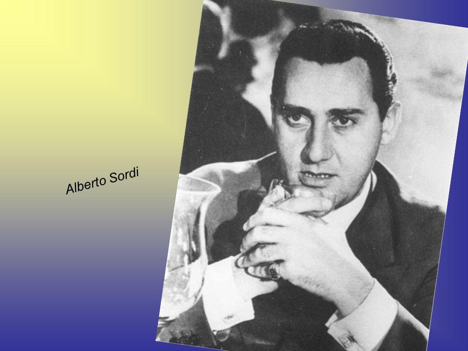 Nel 1930 divenne primo attore e venne notato da Mario Mattòli che lo mise affianco a Umberto Melnati, col quale formò una coppia comica anche a livell