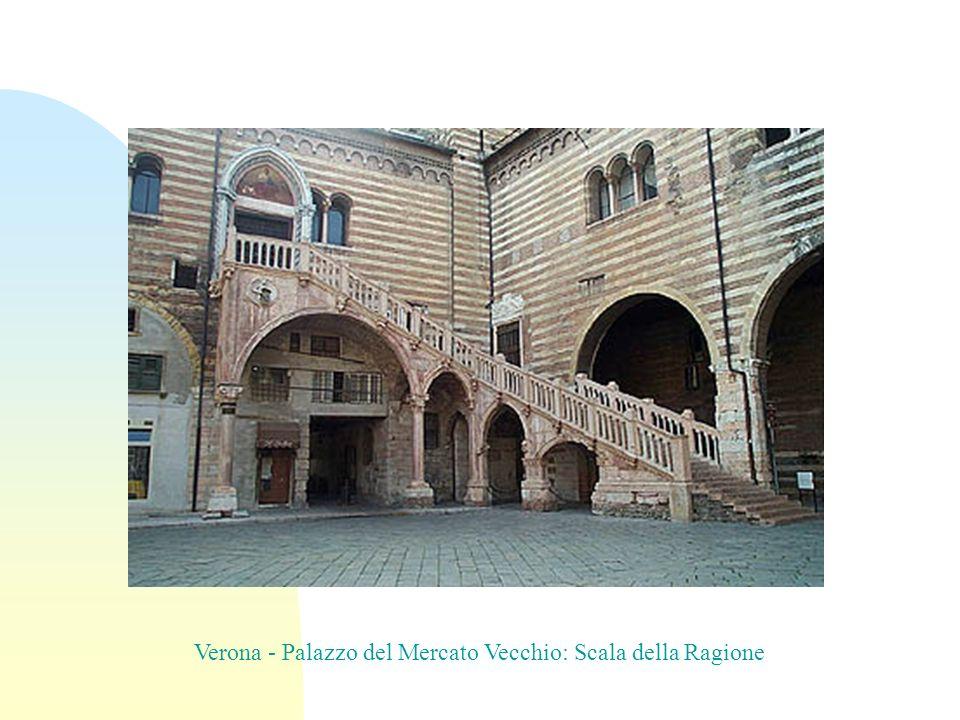 Verona - Palazzo del Mercato Vecchio: Scala della Ragione