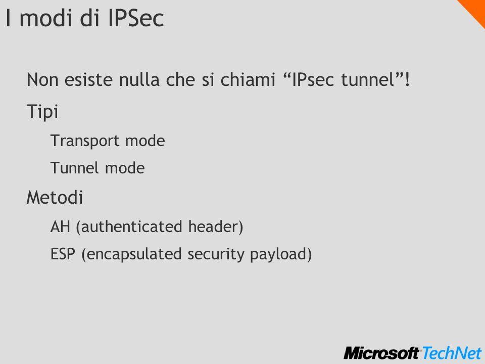 IPsec per le repliche di dominio DC1 DC2 Nel firewall aprire le porte: UDP:500 per IKE IP protocollo 50 ESP (non la porta 50!!) In ogni DC creare una policy IPsec.