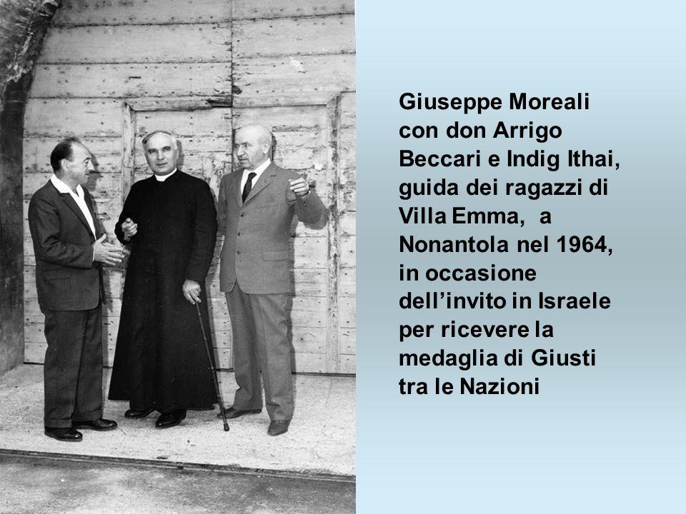 Giuseppe Moreali con don Arrigo Beccari e Indig Ithai, guida dei ragazzi di Villa Emma, a Nonantola nel 1964, in occasione dellinvito in Israele per r
