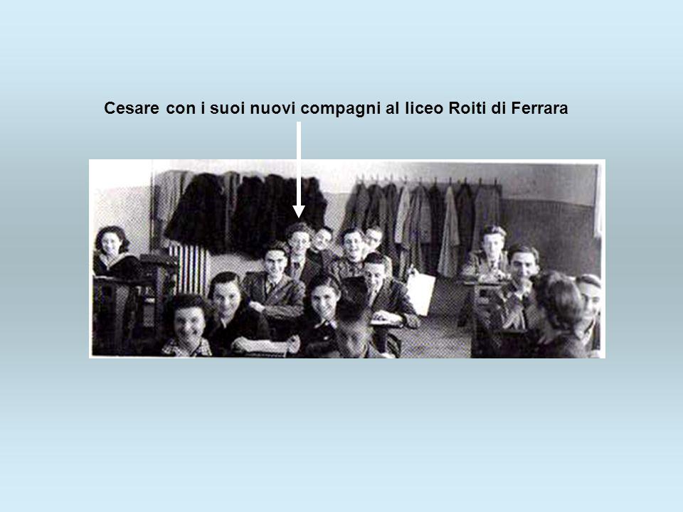 Cesare con i suoi nuovi compagni al liceo Roiti di Ferrara