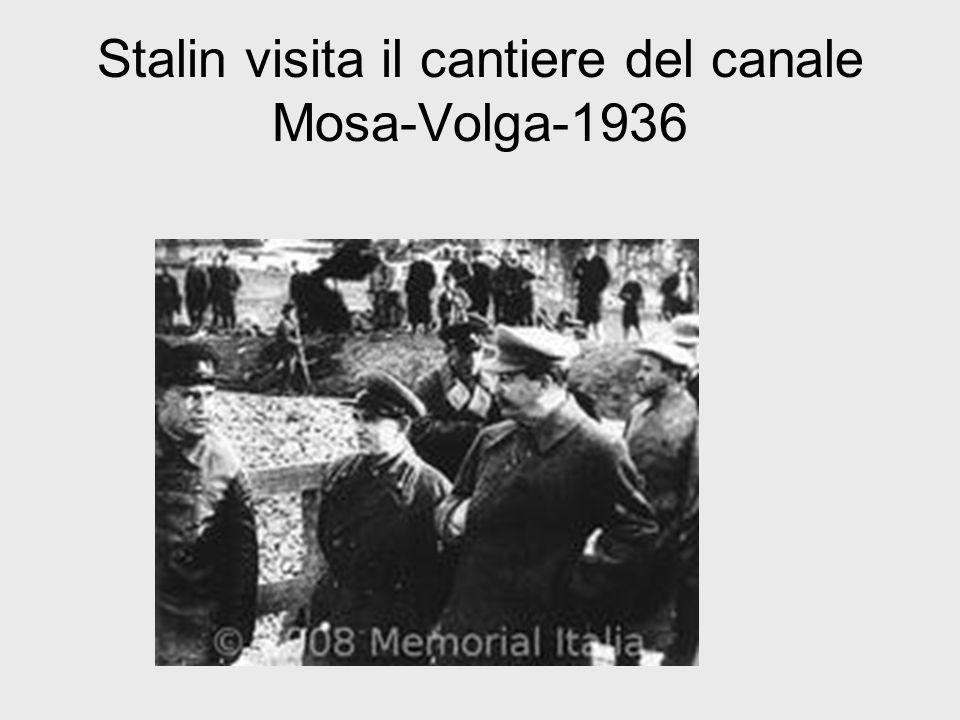 Stalin visita il cantiere del canale Mosa-Volga-1936