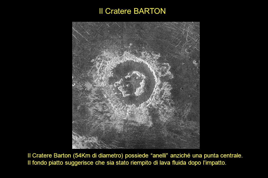Il Cratere Barton (54Km di diametro) possiede anelli anziché una punta centrale. Il fondo piatto suggerisce che sia stato riempito di lava fluida dopo