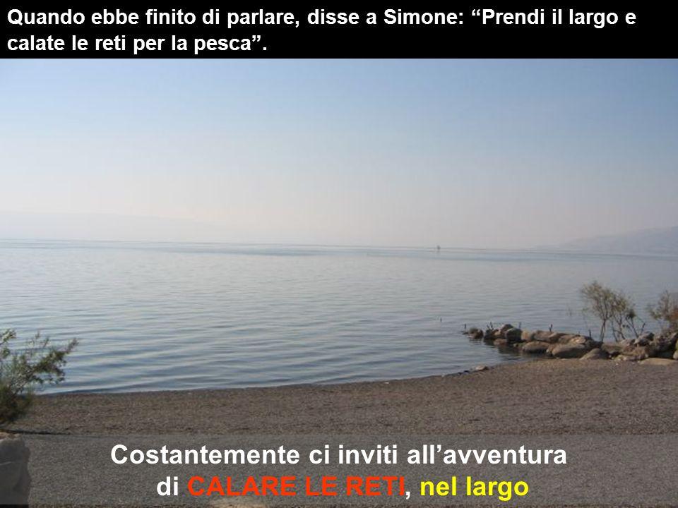 Lc 5, 1-11 In quel tempo, mentre, levato in piedi, stava presso il lago di Genesaret e la folla gli faceva ressa intorno per ascoltare la parola di Dio, Gesù vide due barche ormeggiate alla sponda.