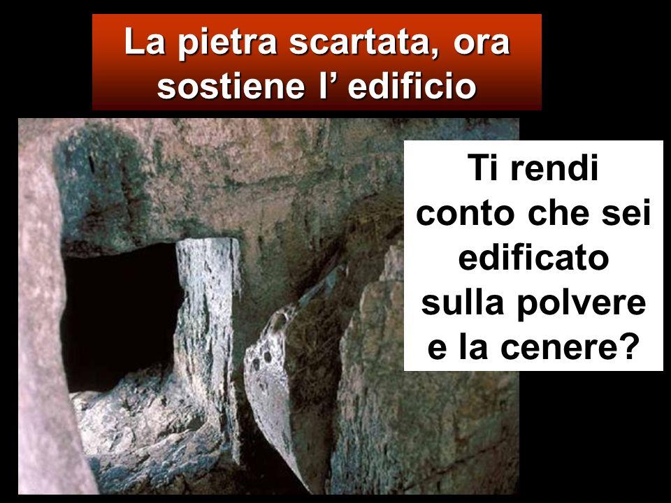 E Gesù disse loro: «Non avete mai letto nelle Scritture: La pietra che i costruttori hanno scartato è diventata la pietra dangolo; questo è stato fatt