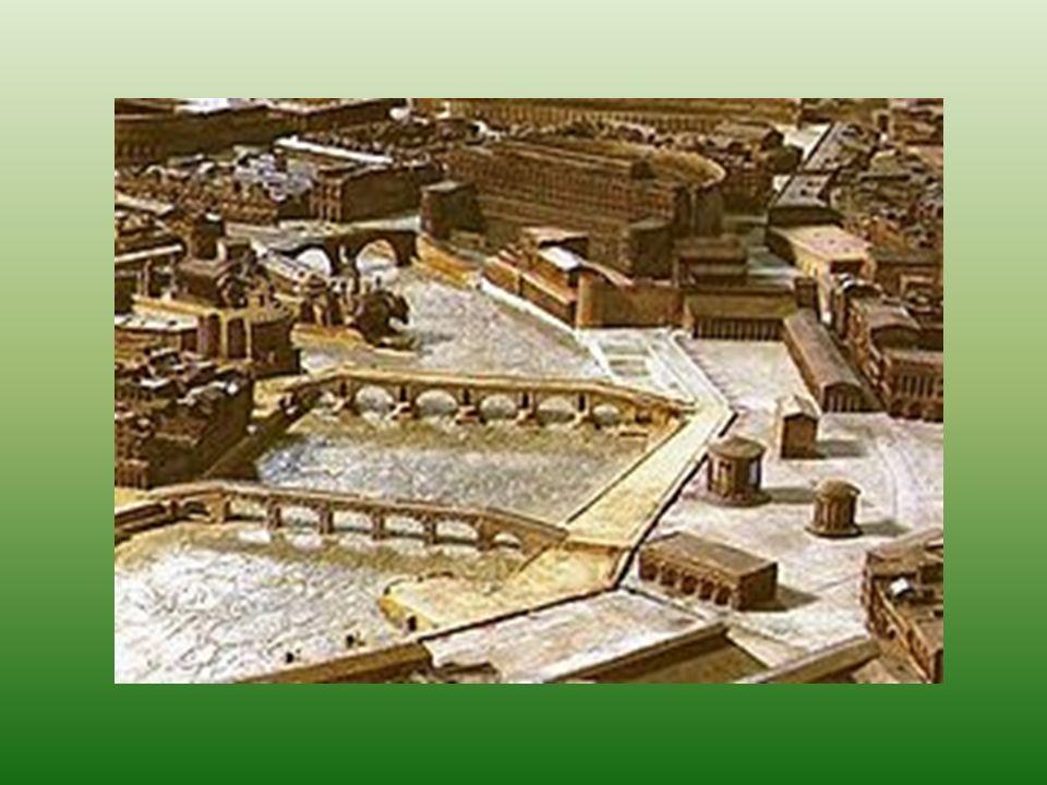 Originariamente col nome Salaria veniva chiamato il tratto di strada che collegava Roma alle altre terre della Sabina, successivamente Augusto lo estese allintero percorso che partendo da Roma, passando per Rieti ed Ascoli Piceno, terminava sullAdriatico a Porto dAscoli, collegando in tal modo il Mar Tirreno con lAdriatico.