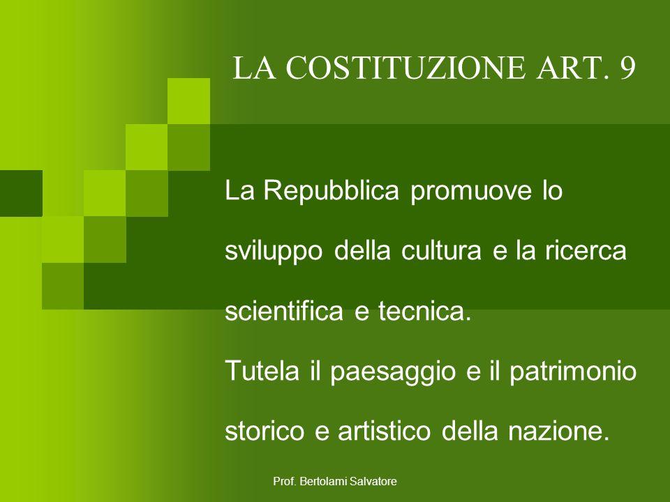 Prof. Bertolami Salvatore LA COSTITUZIONE ART. 8 Tutte le confessioni religiose sono egualmente libere davanti alla legge. Le confessioni religiose di