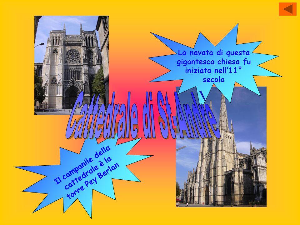 La navata di questa gigantesca chiesa fu iniziata nell11° secolo I l c a m p a n i l e d e l l a c a t t e d r a l e è l a t o r r e P e y B e r l a n