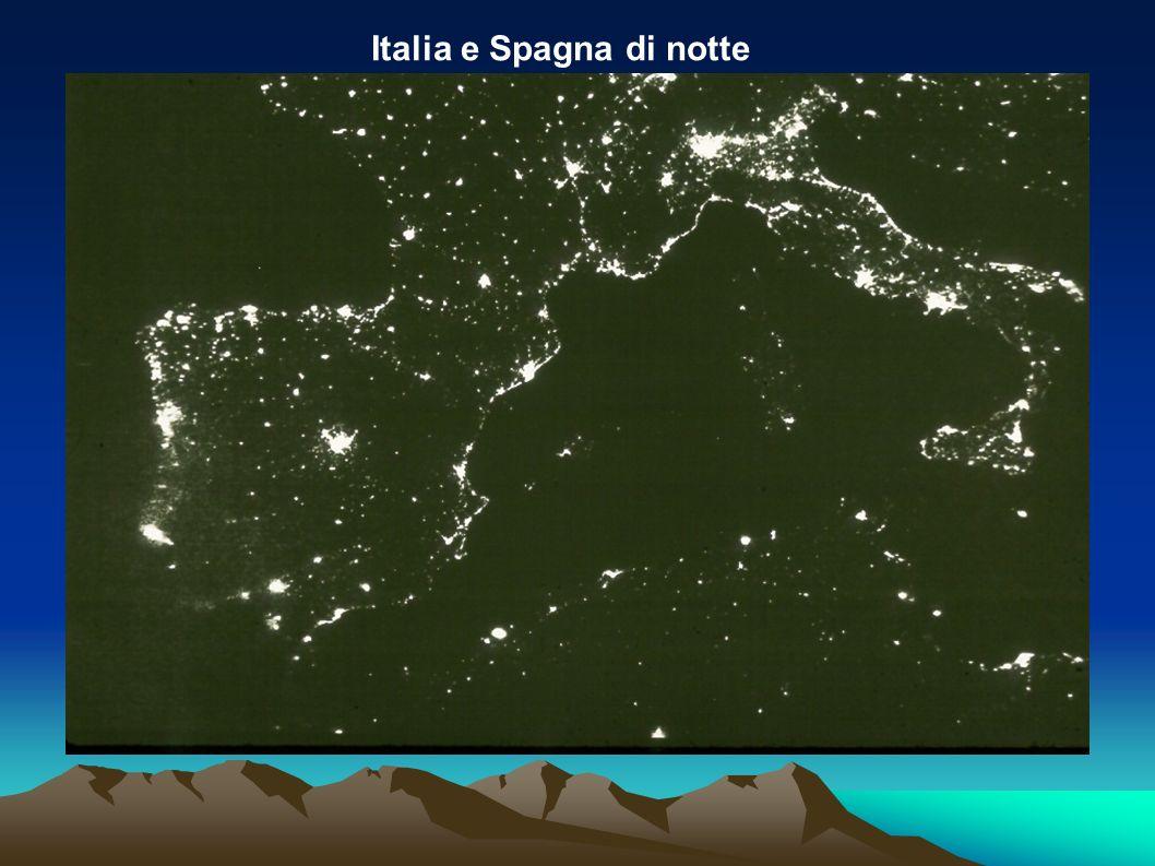 Italia e Spagna di notte