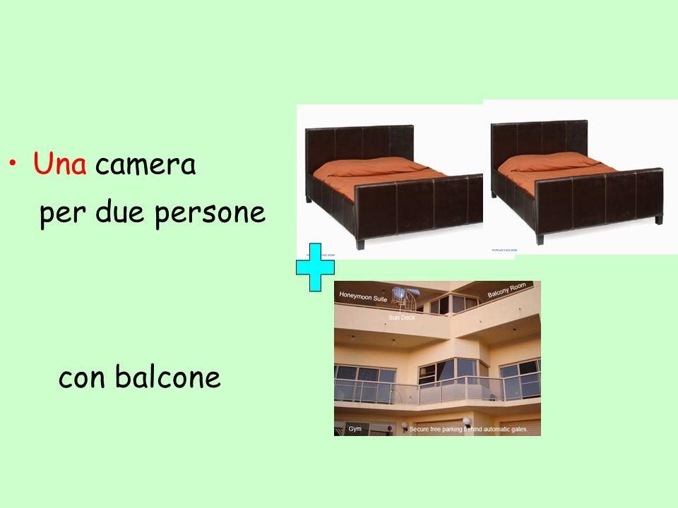 Una camera per due persone con balcone