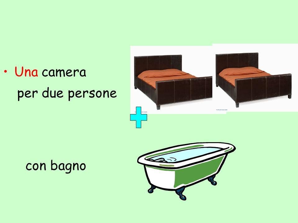 Una camera per due persone con bagno