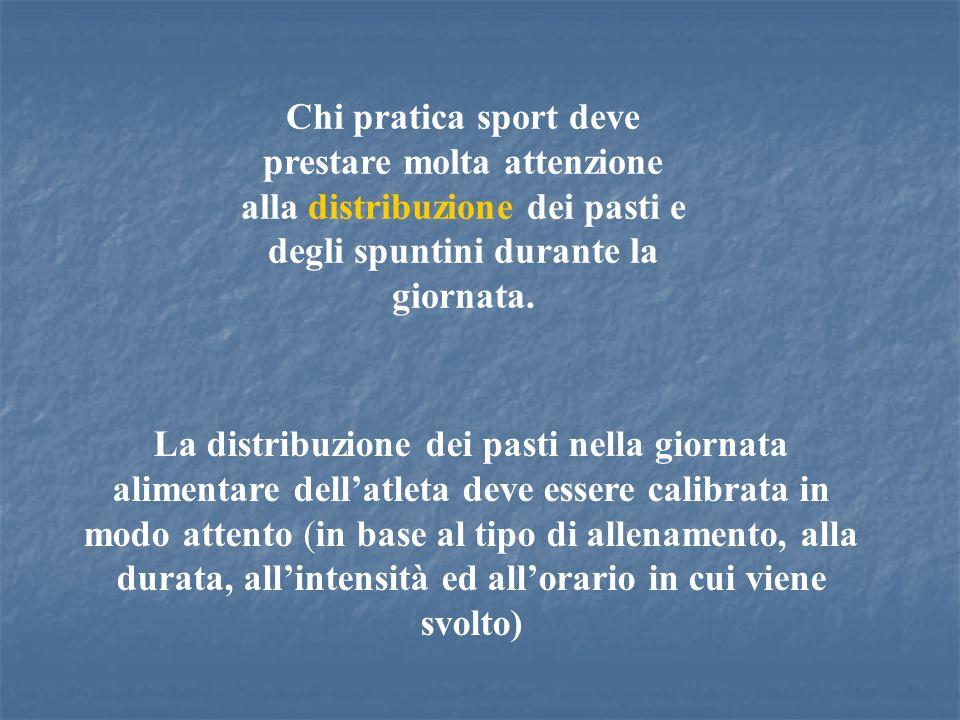 Chi pratica sport deve prestare molta attenzione alla distribuzione dei pasti e degli spuntini durante la giornata. La distribuzione dei pasti nella g